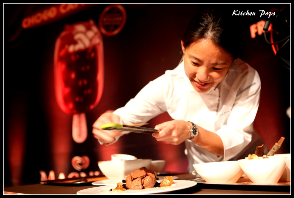 Asia's Best Pastry Chef Janice Wong at Magnum Choco Cappuccino Masterclass_Mumbai (2) - Copy